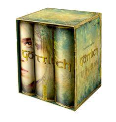 Göttlich verdammt, Göttlich verloren und Göttlich verliebt - alle drei Bände in einer Ausgabe! Du kannst dir die Gesamtausgabe der Bestseller-Trilogie ab Herbst 2013 im göttlich designten Schuber kaufen - ein Muss für alle Göttlich-Fans!