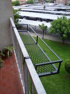 Balcony Railing Design, Small Balcony Design, Small Balcony Garden, Small Balcony Decor, Balcony Plants, House Plants Decor, Plant Decor, Indoor Garden, Apartment Balcony Garden