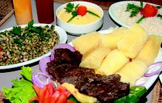 carne do sol, macaxeira e feijao verde, comida tipica