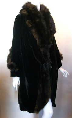 1920s velvet coat with real fur trim