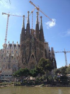 http://www.tabi-go.jp/15016/ べきこさんの投稿作品「ガウディの生涯をかけた建築物」