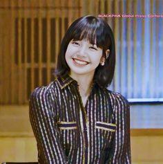 Kim Jennie, South Korean Girls, Korean Girl Groups, Rapper, Lisa Blackpink Wallpaper, Photoshoot Bts, Singer Fashion, Black Pink, Kim Jisoo