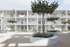 Peter Kunz . Töpferei . Embrach (1) gevel terrassen structuur terrasstructuur omgevingsaanleg collectief