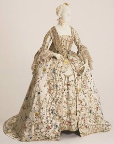 Robe à la Française - 1755-1760 - The Philadelphia Museum of Art