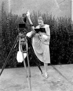 Dancer Charlotte Greenwood demonstrating her flexibility at Metro-Goldwin- Mayer studios, 1928