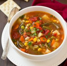 Vegetable Soup - Cooking Classy - not like anybody needed a recipe for a classic veggie soup. Healthy Soup, Healthy Eating, Clean Eating Recipes, Cooking Recipes, Cooking Ideas, Clean Eating For Beginners, Vegan Vegetable Soup, Vegetable Stock, Homemade Vegetable Soup Easy