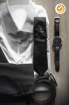 #junghans #maxbill #chronoscope #chronograph #herrenuhr #automatik #uhrzeit Max Bill, Junghans, Chronograph, Gentleman, Outfits, Accessories, Diving Watch, Projects, Leather