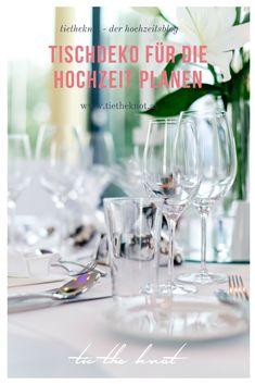 Wir haben die wichtigsten Tipps für eine perfekte Tischdeko für die Hochzeit. Plan Your Wedding, Wedding Locations, Alcoholic Drinks, Wedding Inspiration, How To Plan, Glass, Organization, Tips, Other