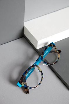 Anne et Valentin | Frame: Fairy Colour: U133