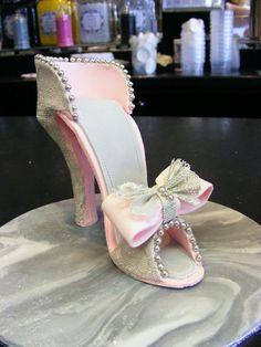 Edible shoe by June Brett, SugarVeil lace www.sugarveil.com...