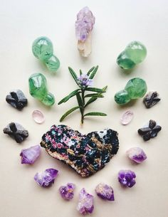 Eudialyte, Tibetan Amethyst, Amethyst Scepter Quartz, Morganite, Phrenite, Staurolite and Rosemary My heart is everywhere but most of all it echoes its presence wildly with you °Woodlights Woudlicht