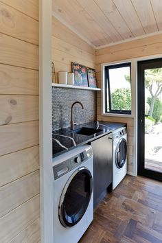 Lockwood Taupo Show home laundry Small Laundry Space, Small Utility Room, Blue Laundry Rooms, Laundry Room Rugs, Modern Laundry Rooms, Outside Laundry Room, Bathroom Makeovers On A Budget, Laundry Room Lighting, Wardrobe Design