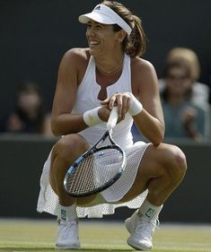 Muguruza proved once again why she is one of the brightest young prospects in women's tennis right now as she sailed into the Wimbledon semi-final with a victory over Bacsinszky Wta Tennis, Sport Tennis, Ana Ivanovic, Tennis Pictures, Tennis World, Gymnastics Photos, Beautiful Athletes, Tennis Players Female, Tennis Fashion