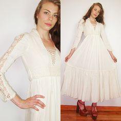 Gypsy WEDDING crochet cream bohiemian prairie 70s GUNNE SAX maxi dress
