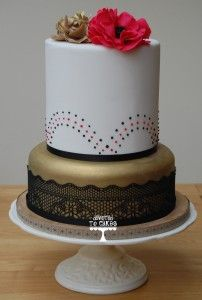 Gold, Black and Red Vintage Wedding Cake - Devoted To Cakes Black And Gold Cake, Red Gold, Red Black, Beautiful Cakes, Amazing Cakes, Cupcake Cakes, Cupcakes, Baby Shower Cakes, Cake Art