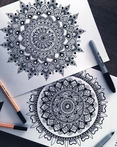 Working more on some black and white designs these days, I'm trying to further develop my style and try out some new designs ☺️ So school just started here in aus which means my stress levels increase and I have no time to draw, but I will try to as ofte Mandala Art Lesson, Mandala Doodle, Mandala Artwork, Mandalas Painting, Mandalas Drawing, Doodle Art Drawing, Zentangle Drawings, Zentangles, Doodle Patterns