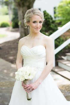 Bridal Portraits at Knoxville wedding venue Dara's Garden. Click to see more photos by Shane Hawkins Photography