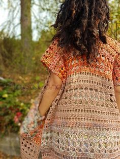 Free written pattern Gypsy Kimino ~ Woodland Cardigan – Crochet Tribe See other ideas and pictures from the category menu…. Faneks healthy and active life ideas Black Crochet Dress, Crochet Coat, Crochet Jacket, Crochet Scarves, Crochet Clothes, Crochet Sweaters, Crochet Vests, Crochet Dresses, Crochet Baby