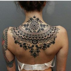 How is this back tattoo? ❤❤ Double tap & Comment Artist @hansebluearms