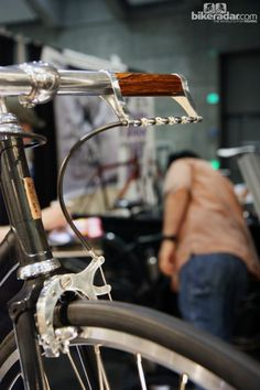 Cykelmageren's unique brake lever is basically just an exposed section of cable that you pull with your fingers.