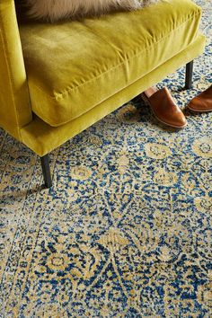 Oriental rug and yellow sofa Yellow Sofa, Natural Fiber Rugs, Yellow Area Rugs, Blue Rugs, Home And Deco, Love And Light, Decoration, Rugs On Carpet, Interior Inspiration