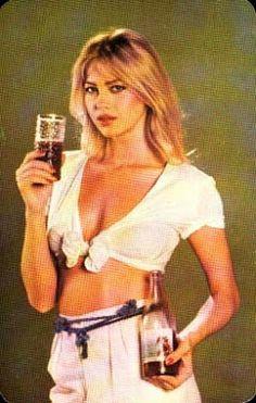 A legszebb magyar szupermodellek, topmodellek, sztármanökenek, manekenek, fotómodellek (RETRÓ): Gáspár Bernadett szupermodell, sztármanöken Country Girl Pictures, Country Girls, Retro Ads, Vintage Advertisements, All Tomorrow's Parties, Girl Posters, What A Wonderful World, Punk Rock, Hungary