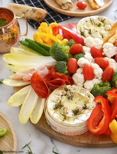 Camembert Cheese Fondue Board - quick and easy baked recipe for a lighter winter fondue that is perfect as a sharing appetizer or a dinner party! Dinner Party Appetizers, Dinner Party Menu, Dinner Party Recipes, Cooking Camembert, Camembert Cheese, Retro Recipes, Ethnic Recipes, Fondue Recipes, Side Dish Recipes