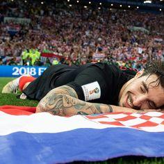 Šime 3/3 #dejanlovren #lovren #simevrsaljko #vrsaljko #croatia #croatia #mojadomovina #hrvatskajeprvaksvijeta #budiponosan #neopisivo #srcevatreno #worldcuprussia2018 #worldcup #worldcuprussia #worldcupfinale #croatiaworldcup #srebrozlatnogsjaja #hrvatskareprezentacija #vatreni #hns #football #soccer #mojazemljahrvatska #hrvatsponosom #igrajmojahrvatska #hrvatska