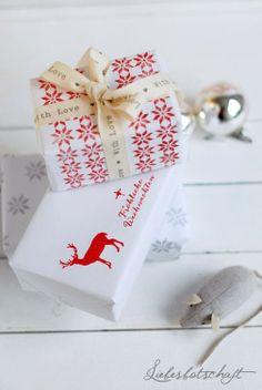 red & white: | gift wrap . Geschenkverpackung . paquet-cadeau | Design/Photography: Joanna @ Liebesbotschaft |