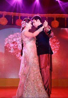 Aamna Sharif Wedding Pictures : Manish Malhotra and Sabyasachi lehengas