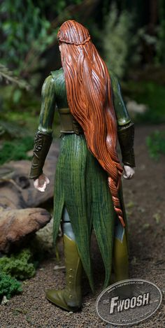 Detailed pictures of Tauriel's action figure. Not exactly the same as the outfit I'm making, especially in terms of fabric, but the hair looks pretty accurate and useful as a reference.