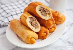 Paszteciki szczecińskie. Tradycyjny przysmak jak pączki z mięsnym farszem. PRZEPIS Hot Dog Buns, Hot Dogs, Sweet Potato, Potatoes, Bread, Fruit, Vegetables, Cooking, Food