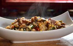 Pilaf orez carne legume (26) Fried Rice, Grains, Ethnic Recipes, Food, Home, Hoods, Meals, Seeds, Nasi Goreng