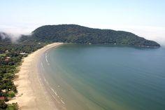 Praia do Indaiá, em Bertioga. Visite o BrasilGuias