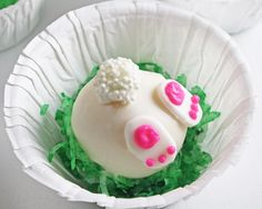 How to Make Bunny Tail Cake Balls. A step-by-step picture tutorial to make these cute little Easter treats!
