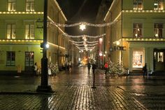 Christmas is coming to Helsinki! The whole city lights up for the first advent and the Christmas market opens up on the 2nd of December. Take a look at our weekend package during the advent time and book a short break in Helsinki now.