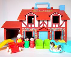 Tudor Family House 22 Awesome Fisher-Price Little People Playsets You Wish You Still Had Fisher Price Toys, Vintage Fisher Price, 90s Childhood, Childhood Memories, Old School Toys, School Fun, 80s Kids, Old Toys, The Good Old Days