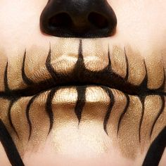 Browse halloween makeup looks and tutorials by Maybelline. Turn heads with our halloween lip, face & eye makeup ideas, from cat makeup to zombie makeup. Creepy Halloween Makeup, Halloween Eyes, Zombie Makeup, Diy Halloween, Halloween Costumes, Pretty Halloween, Male Makeup, Vintage Halloween, Simple Halloween Makeup