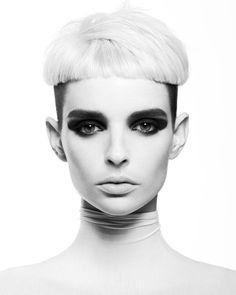 BLONDE AVANT-GARDE FRINGE Bowl Haircuts, Bleach Blonde, Bowl Cut, Creative Colour, Hairdresser, Hair Makeup, Hair Cuts, Artwork, Color