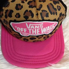Leopard print Vans cap Leopard print adjustable Vans cap. It has black mesh on the back, and a Pink Lid along with some pink detailing. Only worn a handful of times. Great condition looks brand new. Vans Accessories Hats