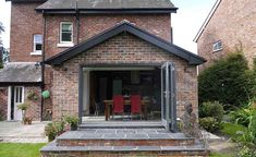 Cheadle Hulme single storey extension by Hende 1930s House Extension, Brick Extension, Single Storey Extension, House Extension Plans, Building Extension, House Extension Design, Extension Designs, Extension Ideas, Side Extension