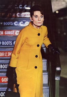 Audrey Hepburn in mustard yellow coat - Cinema Connection--Vintage Inspired Statement Coats from Burberry for Fall 2011 Audrey Hepburn Charade, Audrey Hepburn Style, Old Hollywood Style, Golden Age Of Hollywood, My Fair Lady, Jackie Kennedy, Divas, Yellow Coat, La Mode Masculine