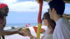 Apenas para un día soleado: un coco loco en la isla de San Andrés, Colombia :) Coco, Fitbit, Gastronomia, St Andrews, Exotic Places, Caribbean, Islands, Colombia