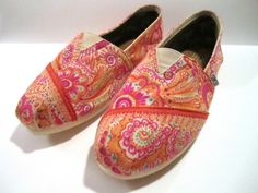 Ways To Decorate Toms Shoes | TOMS1