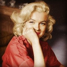 beautiful portrait of Marilyn smiling at the camera