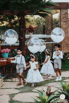 Vintage and colorful wedding of Paula and Wallace - Vegan Rezepte Wedding Prep, Wedding With Kids, Boho Wedding, Wedding Planning, Dream Wedding, Wedding Day, Edible Wedding Favors, Personalized Wedding Favors, Wedding Humor