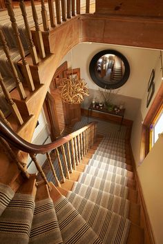 Stair Runners, carpet runners, stair rods and hall runners Staircase Handrail, Staircase Runner, Stair Runners, Carpet Stairs, Carpet Tiles, Tile Bedroom, Hallway Inspiration, Stair Rods, Types Of Carpet