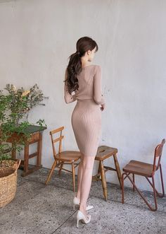Tight V-Neck Daily Knit Dress - I know you wanna kiss me. Thank you for visiting CHUU. Sexy Asian Girls, Beautiful Asian Girls, Hourglass Outfits, Girl Korea, Korean Girl Fashion, Korean Dress, Business Casual Outfits, Photos Of Women, Colorful Fashion