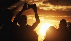 Golden sun... #madrid #places#lugares #people#gente#urbanscenes#escenasurbanas #sunset #color #colorgrafias #snapseed #HuaweiP20Pro @huaweimobileesp #golden #sun #sol