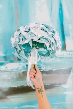 19 Alternative Wedding Bouquet Ideas That Don't Even Involve Flowers Alternative Bouquet, Alternative Wedding, All Paper, Unique Weddings, Dream Wedding, Wedding Dreams, Wedding Bouquets, Things To Come, Creative
